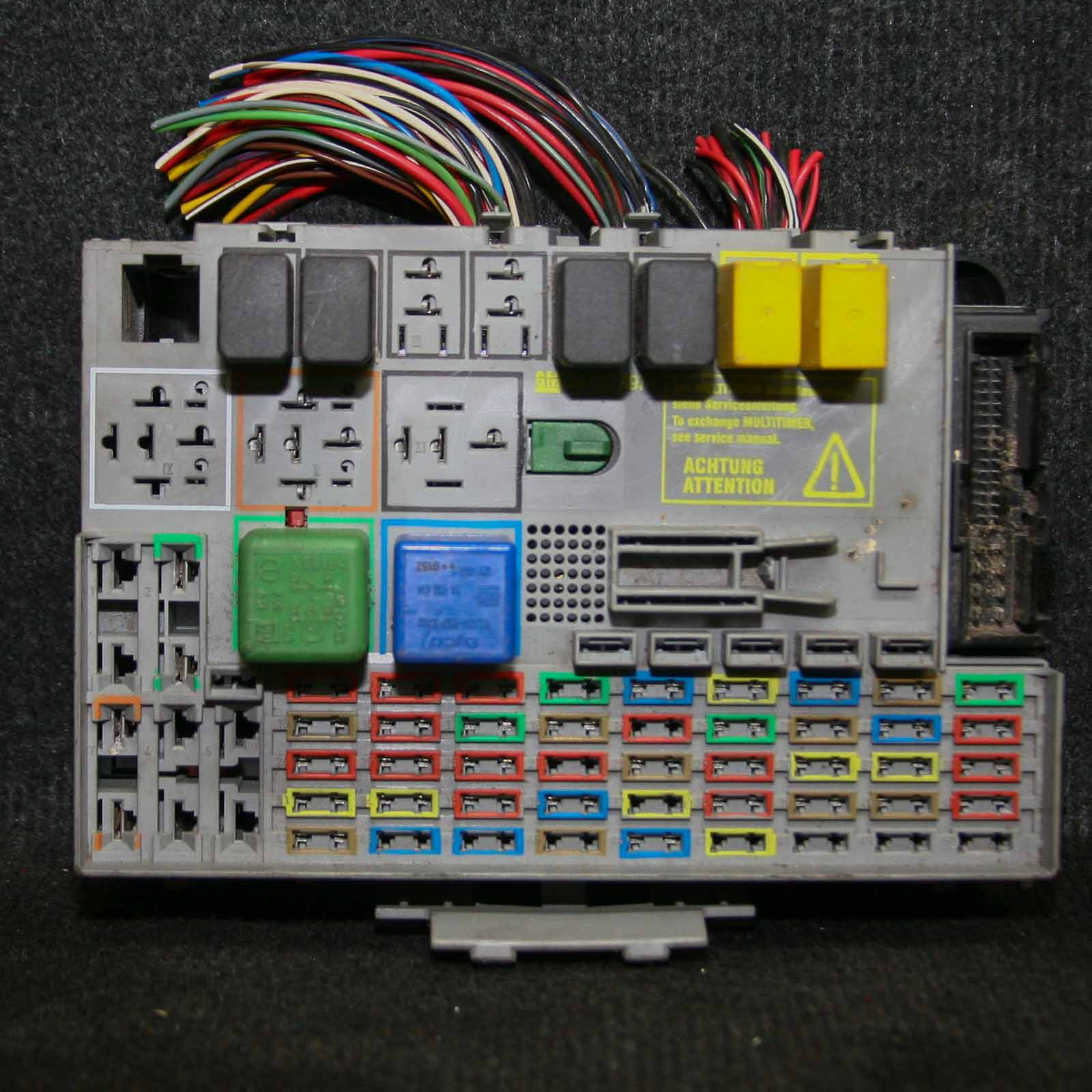 1665499 Vauxhall Combo Fuse Box Layout on